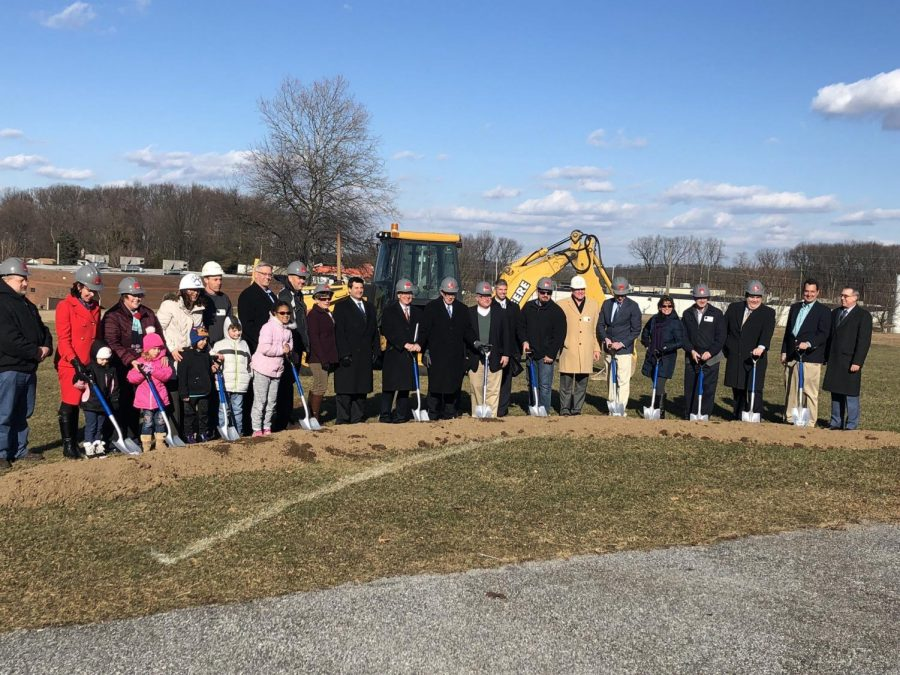 Students+and+staff+from+Loganville+Springfield+get+ready+to+break+ground+for+the+new+renovations.