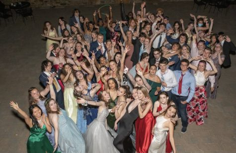 MORP, held on Friday May 14, was attended by many Class of 2021 seniors as well as some Class of 2020 Alumni. It was a night filled with dinner, dessert, a DJ, and dancing.